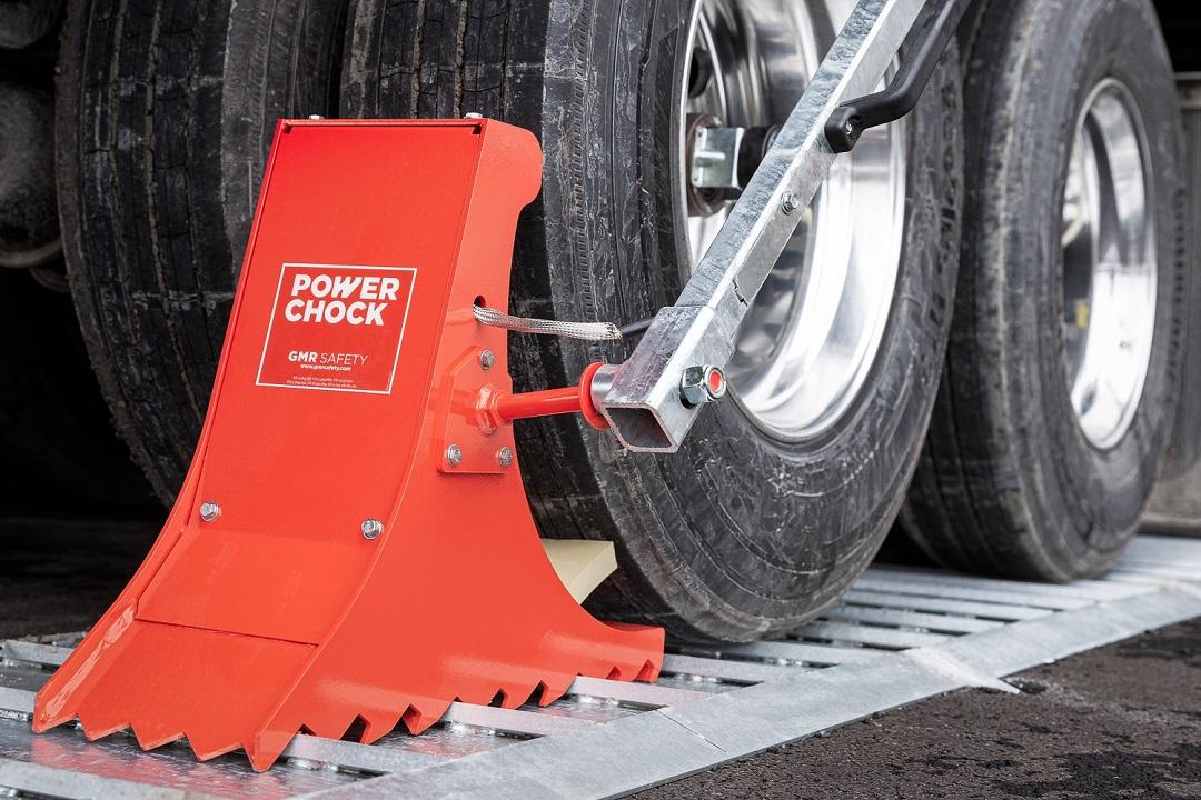 POWERCHOCK 5 wheel restraint system on ground plate
